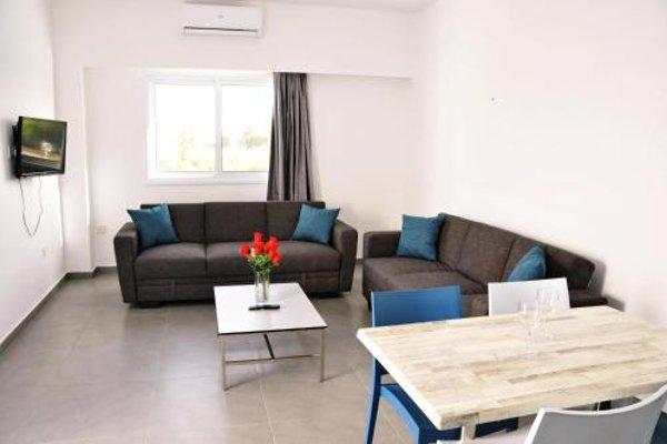 Kaos Hotel Apartments - фото 8