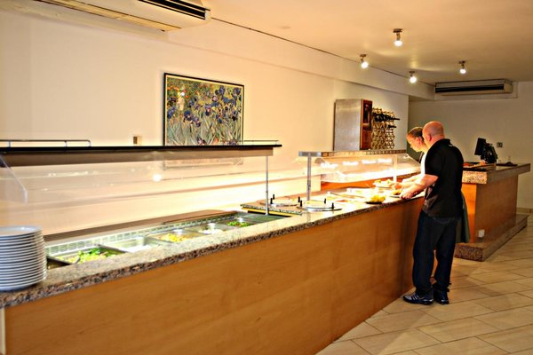 Adelais Bay Hotel - 14