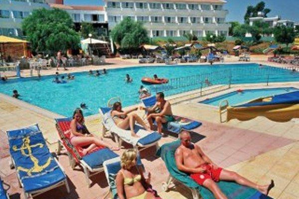 Adelais Bay Hotel - 21