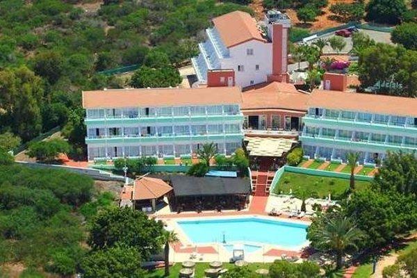 Adelais Bay Hotel - 22