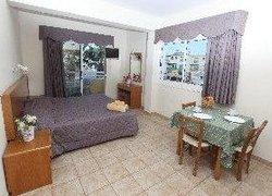 Captain Karas Holidays Apartments фото 2