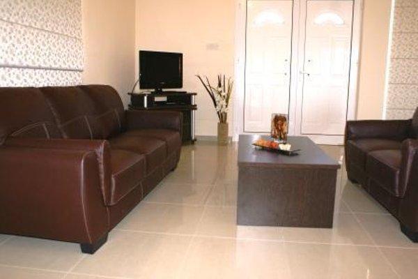 Maricosta Apartments - фото 6