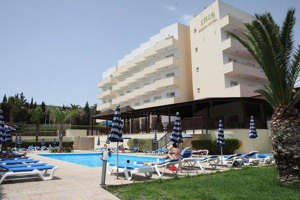 Iris Beach Hotel - фото 22