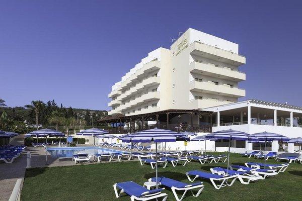 Iris Beach Hotel - фото 23