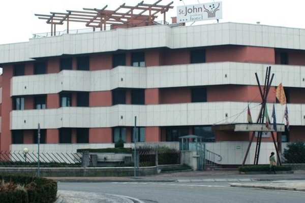 Hotel St John Desio - 8