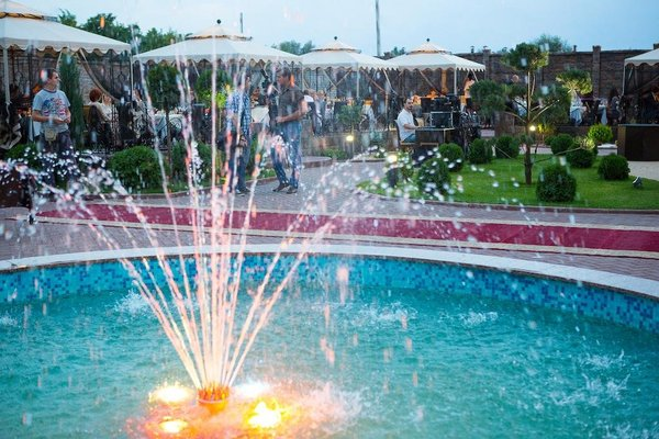Gray Hotel & Restaurant - фото 9