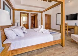 Ocean Village Deluxe Resort & Spa фото 2