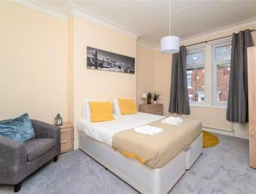 Апартаменты Eglesfield 3 Bedroom South Shields