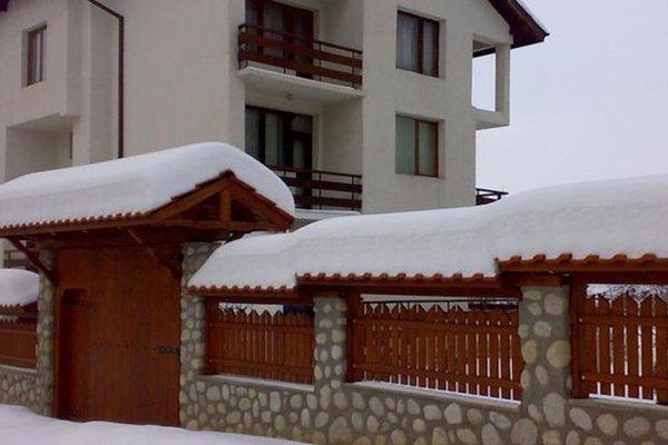 Stoyanova Guest House - фото 17