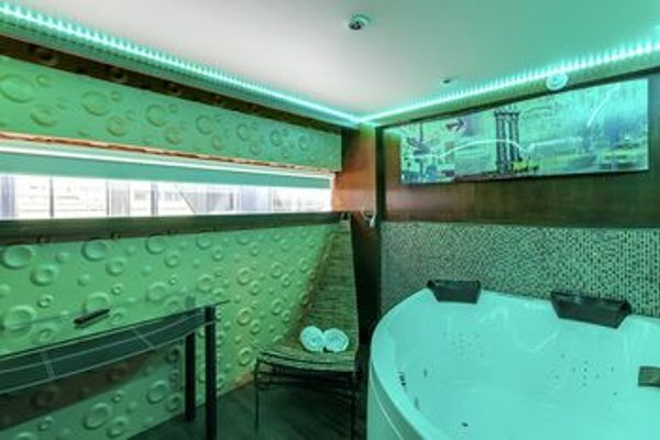 VIP Paris Yacht Hotel - 8