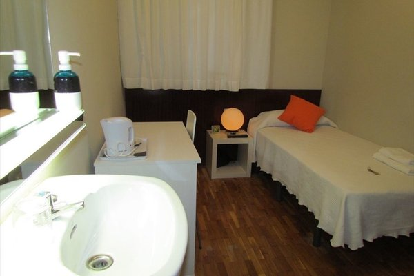 Barcelona City Seven (ех. Mini Hotel Hostal Barcelona) - фото 13