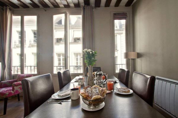 Musee du Louvre St Honore Luxury 3 bedroom Apartment - 21