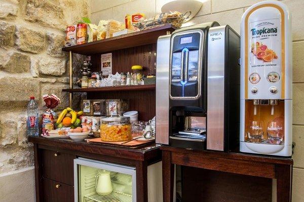 Austin's Arts Et Metiers Hotel - фото 12