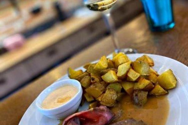 Hotel & Apartments U Cerneho orla - 16