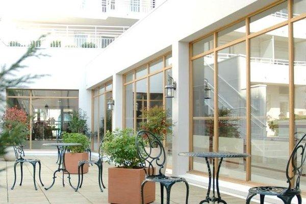 Best Western Amiral Hotel - 13