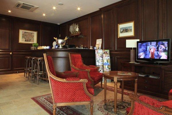 Best Western Amiral Hotel - 4