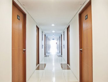 Apartments RedDoorz Apartment near Golden City Mall