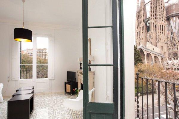 Lucky Sagrada Familia - фото 21