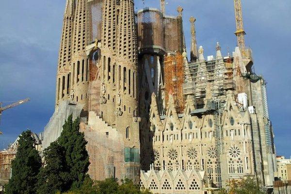 Lucky Sagrada Familia - фото 23