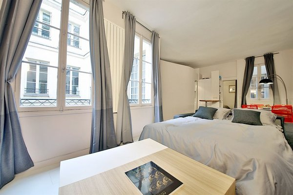 APPARTEMENT SAINT GERMAIN - QUAIS DE SEINE - 12