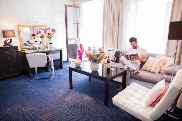 Savoy Hotel - 5