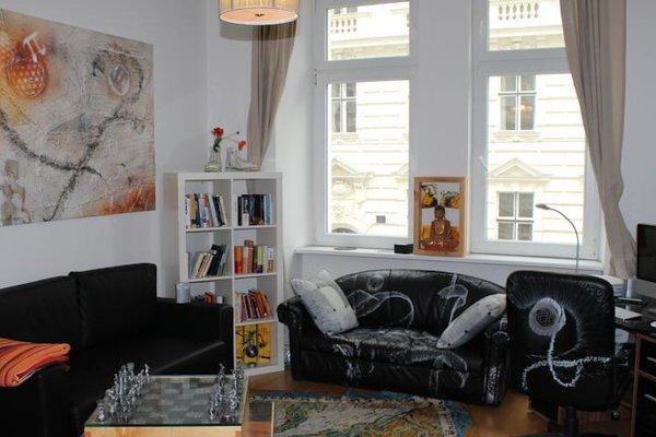 Designer Apartment In City Centre - 6