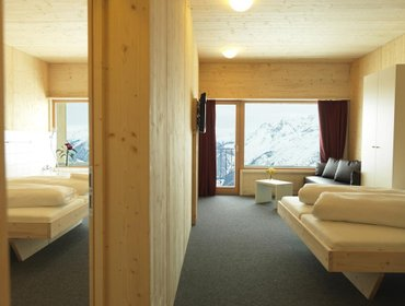 โฮสเทล Venet Gipfelhütte incl. Ski pass or cable car ride
