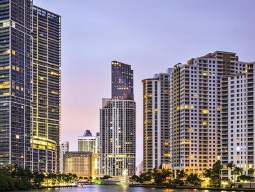 Гестхаус Churchill Suites Miami Brickell - One Broadway