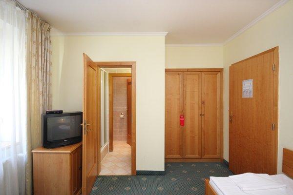 Отель Claris - 18