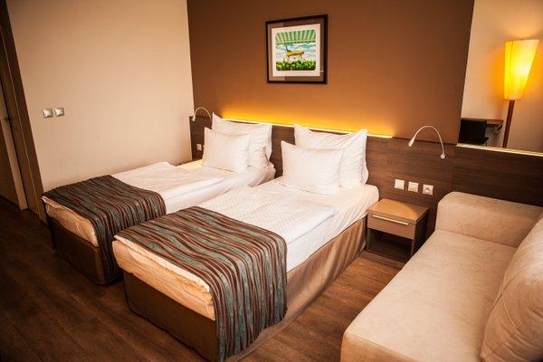 Expo Hotel - фото 3