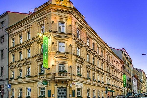 Three Crowns Hotel - фото 21