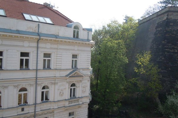 Apartments Vysehrad With Free Parking - фото 20