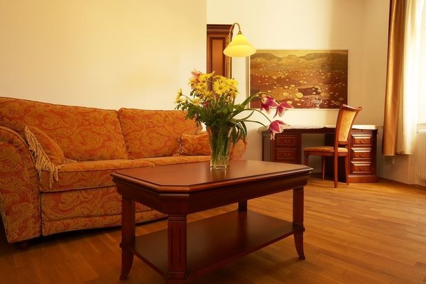 Apartments Vysehrad With Free Parking - фото 7