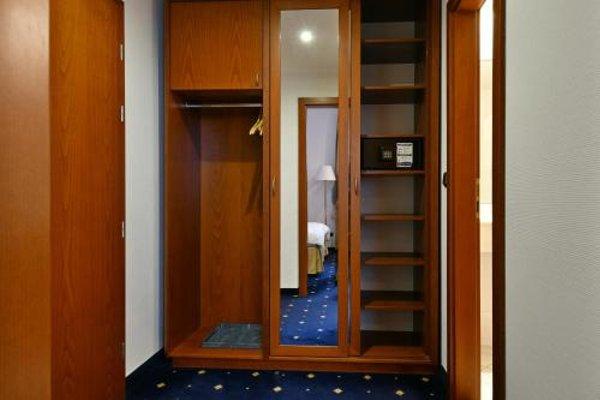 Hotel Coronet - 10
