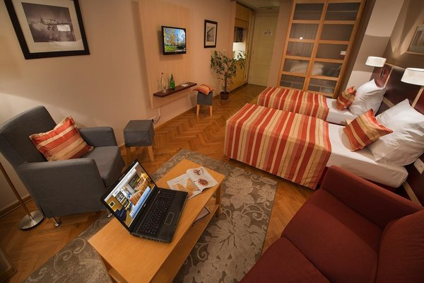 EA Hotel Julis - фото 4