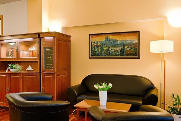 Cloister Inn (Клоистер Инн) - фото 9