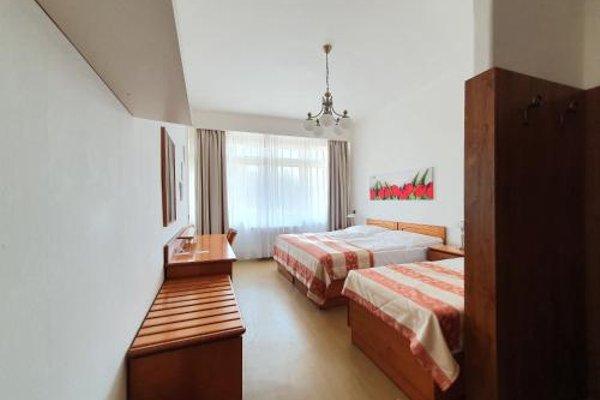 Hotel Jana / Pension Domov Mladeze - фото 35