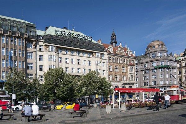 Apartments Wenceslas Square - фото 22