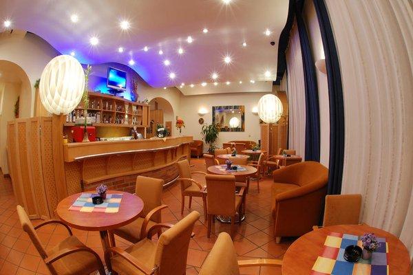 EA Hotel Tosca - фото 11