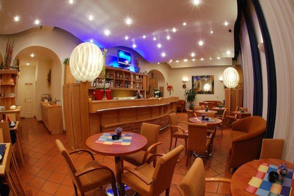 EA Hotel Tosca - фото 12