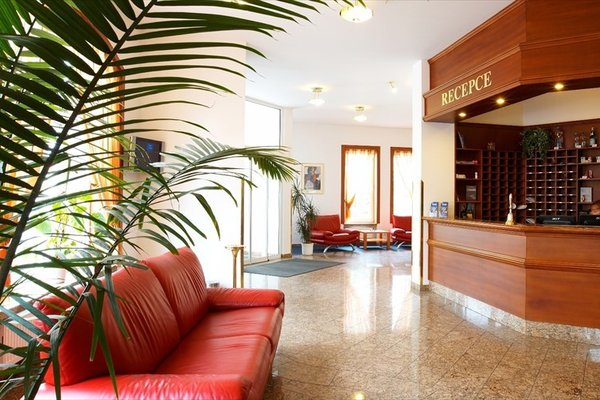 Hotel Avion - фото 8
