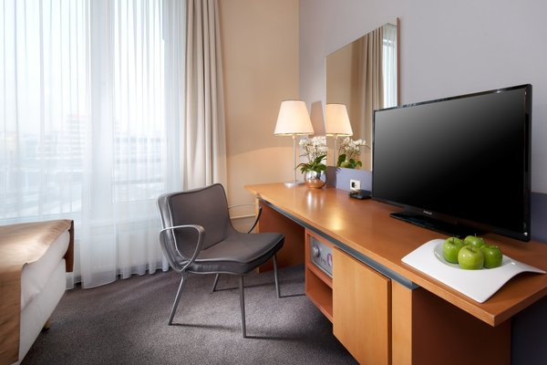 Holiday Inn Prague Congress Centre - фото 6