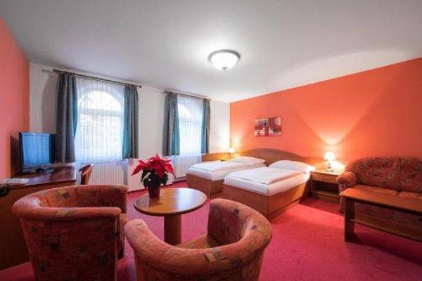 Attic Hotel - 27