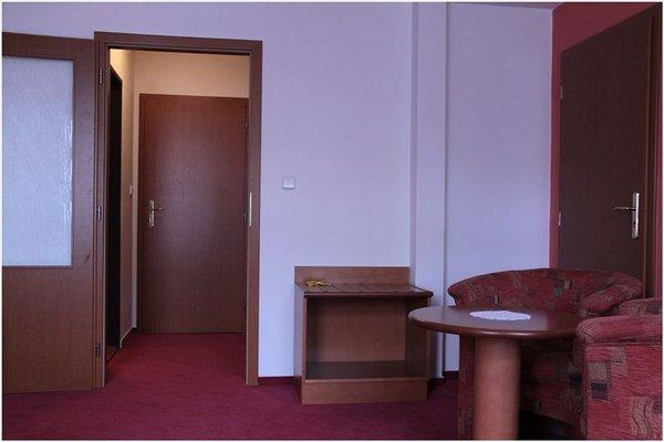 Attic Hotel - 20