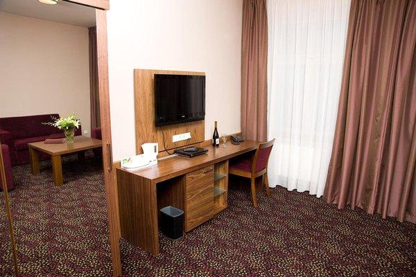 1. Republic Hotel - фото 5