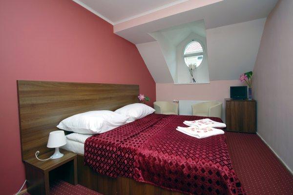 Colloseum Hotel - 25