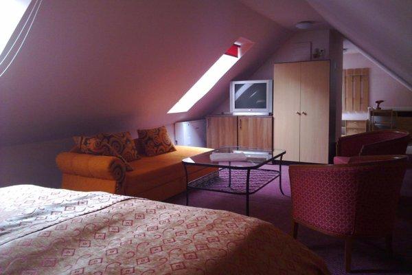 Colloseum Hotel - 18