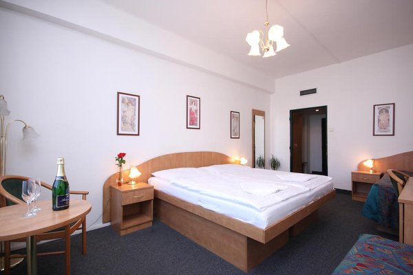 Отель Legie - фото 4