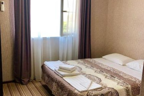 Hotel Capri - photo 3