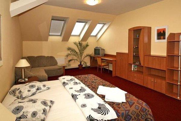 A Plus Hotel & Hostel - фото 50